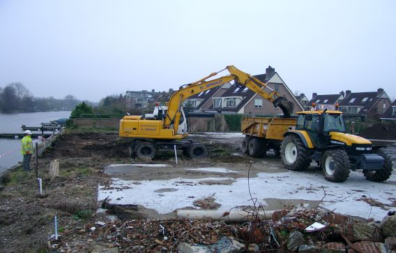 grondwerken graven graafmachine aanleg